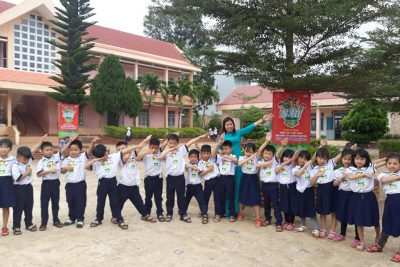 """Chương chình """"Thiếu nhi Việt Nam tìm hiểu và tuyên truyền bảo vệ môi trường"""" tại trường TH Nguyễn Thị Minh Khai"""